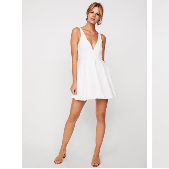 28b348501547e White Express dress with wiring